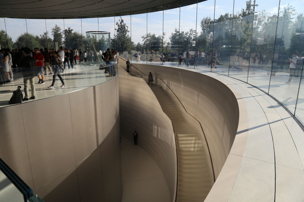 Cận cảnh Apple Park: Văn phòng đẹp nhất thế giới trị giá 5 tỷ USD, nơi tổ chức buổi ra mắt iPhone 13 đêm nay! - Ảnh 14.