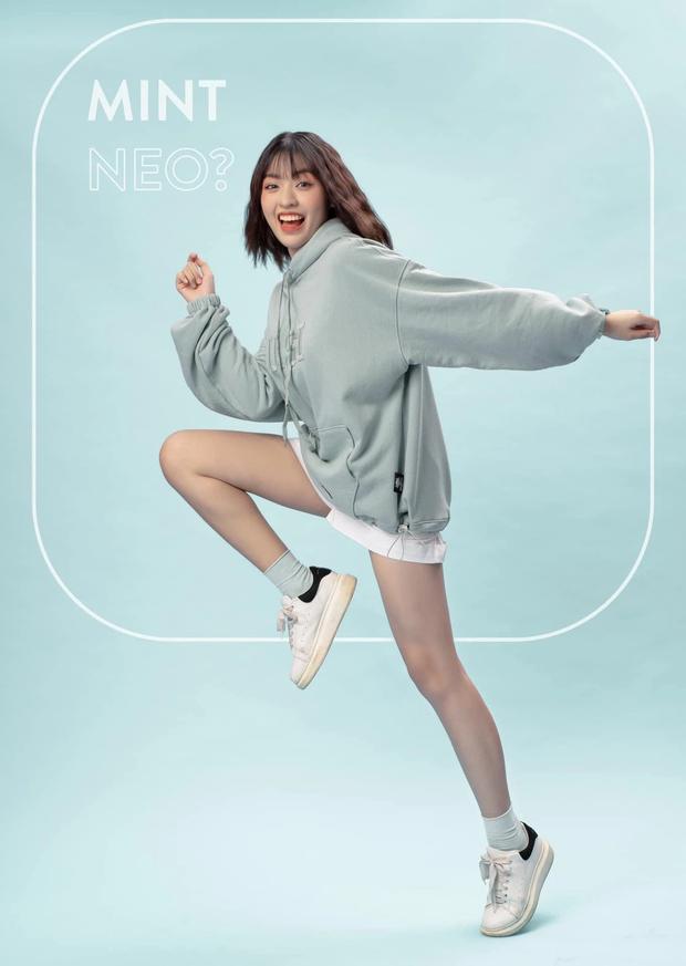 Thánh giả giọng Hương Giang, hot girl trứng rán và dàn mẫu Next Top Model thi nhau về team Minh Tú - Ảnh 1.