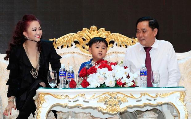 Thiếu gia thừa kế KDL 6000 tỷ Đại Nam đã làm gì mà ông Huỳnh Uy Dũng phải thốt lên: Ba chóng mặt quá? - Ảnh 1.