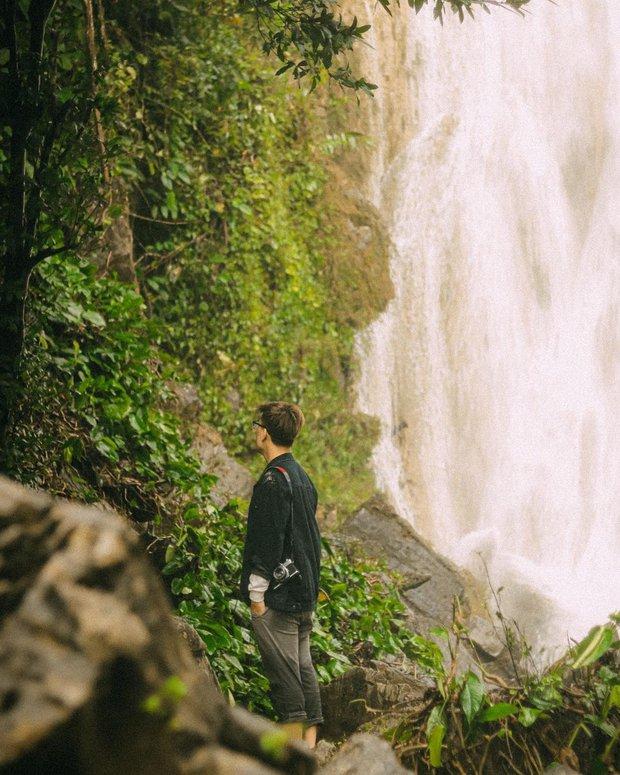 Trên ảnh đẹp là vậy nhưng ngọn thác này ngoài đời lại cực kỳ nguy hiểm, xem cảnh người đàn ông suýt chết mà thót tim - Ảnh 9.