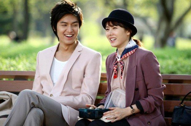 Son Ye Jin từng gây sốc nặng với vẻ ngoài già nua, tóc tai bù xù, phim nào đã hại chị đẹp thế này? - Ảnh 6.