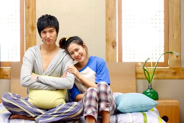 Son Ye Jin từng gây sốc nặng với vẻ ngoài già nua, tóc tai bù xù, phim nào đã hại chị đẹp thế này? - Ảnh 7.