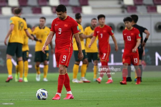 Chưa đá với tuyển Việt Nam, báo Trung Quốc đã lo sợ hậu quả nặng nề nếu đội nhà thất bại - Ảnh 1.