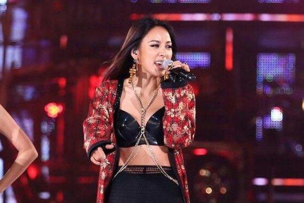 Biểu tượng sexy Kpop dính nghi vấn nâng ngực thời debut solo, sự thật đằng sau là gì? - Ảnh 5.