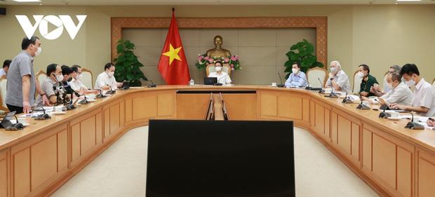Việt Nam sẽ có ít nhất 1 vaccine COVID-19 tự sản xuất vào cuối năm 2021 - Ảnh 1.