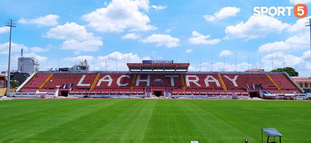 Chê sân Mỹ Đình xấu, CLB Hải Phòng đề nghị tuyển Việt Nam về sân Lạch Tray đá vòng loại World Cup - Ảnh 1.