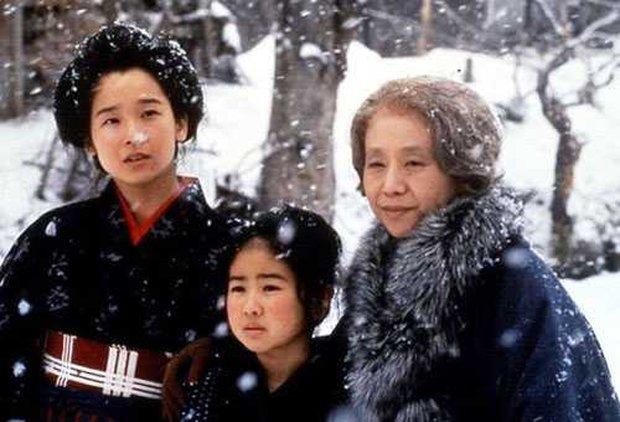 Ngỡ ngàng với nhan sắc cô bé Oshin kinh điển sau gần 40 năm, vẫn đóng phim ầm ầm nhưng đường tình duyên mới gây chú ý - Ảnh 1.