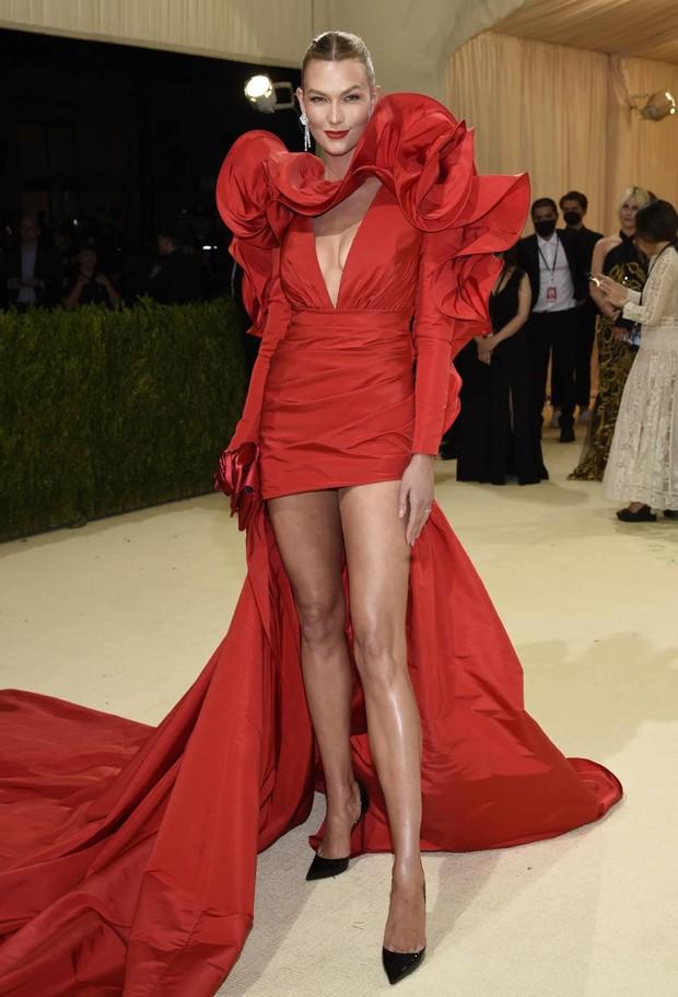 Cả dàn sao bị đèn flash dìm thảm hại ở tiệc hậu Met Gala, riêng Rosé xinh xỉu, Kendall và thiên thần Victoria's Secret nóng bỏng ngộp thở! - Ảnh 9.