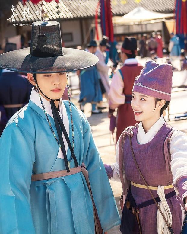 Kim Yoo Jung khóa môi trai đẹp cực ngọt ở bom tấn cổ trang, netizen xem mà quắn quéo cả tâm can - Ảnh 10.
