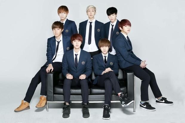 Cuộc đời huy hoàng của Jungkook (BTS): Mỗi năm 1 đỉnh cao mới, 16 tuổi debut và trở thành Đặc phái viên Tổng thống khi vừa 24 - Ảnh 4.