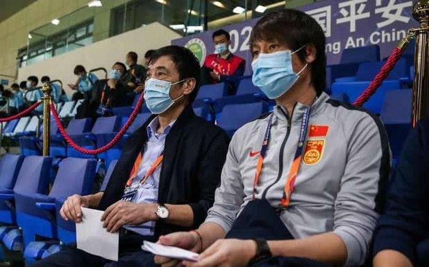 """Chủ tịch LĐBĐ Trung Quốc: """"Tôi còn bị nhiều người mắng chửi hơn cả HLV Li Tie"""" - Ảnh 1."""