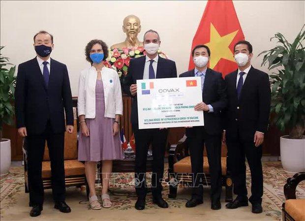 Pháp và Ý tặng Việt Nam gần 1,5 triệu liều vắc-xin ngừa Covid-19 - Ảnh 3.
