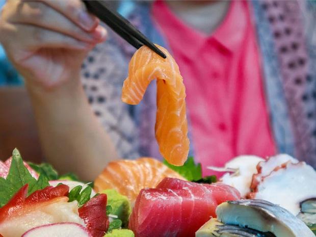 Chuyên gia thực phẩm tiết lộ những món bẩn nhất trong nhà hàng buffet: Khách nào cũng thích nhưng có món đầu bếp còn từ chối ăn - Ảnh 3.