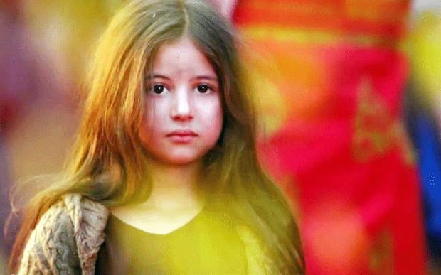 Sao nhí xinh nhất Ấn Độ dậy thì thất bại sau 6 năm: Từ tiểu công chúa được kỳ vọng thành minh tinh đến thiếu nữ già hơn tuổi - Ảnh 4.
