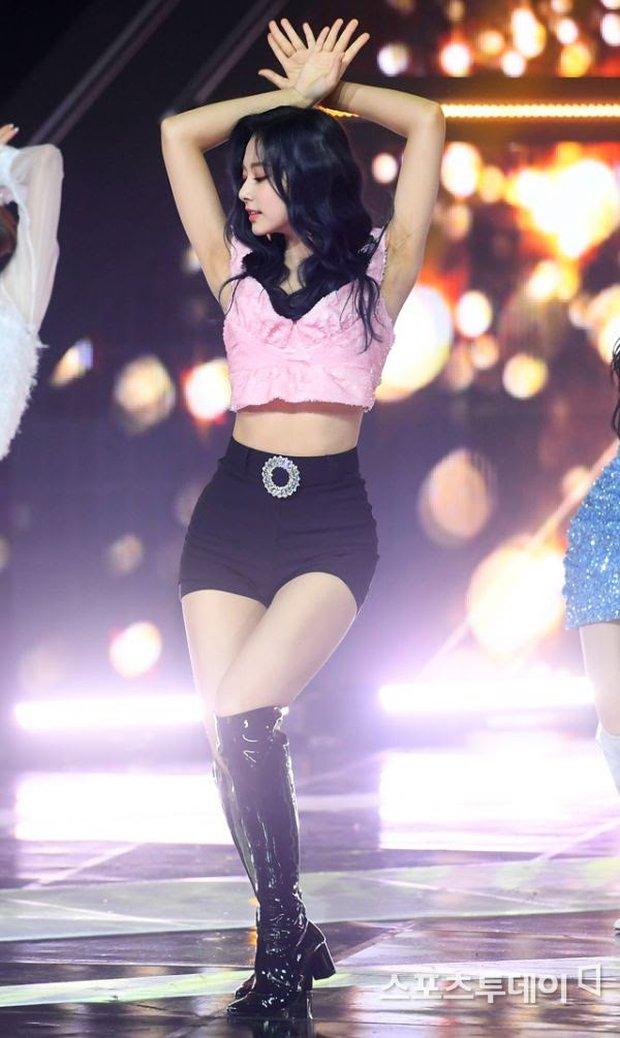 Thế nào là body của Tzuyu (TWICE) - nữ thần Kpop đứng đầu top 100 mỹ nhân đẹp nhất thế giới? - Ảnh 19.