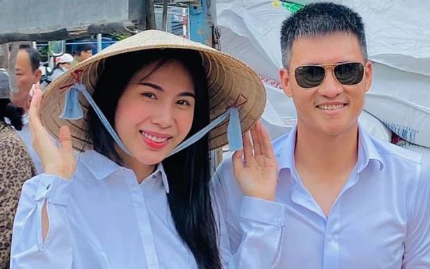 Dân mạng lại ầm ầm kéo vào fanpage Vietcombank sau tin Công Vinh - Thuỷ Tiên đặt hẹn sao kê 177 tỷ - Ảnh 1.