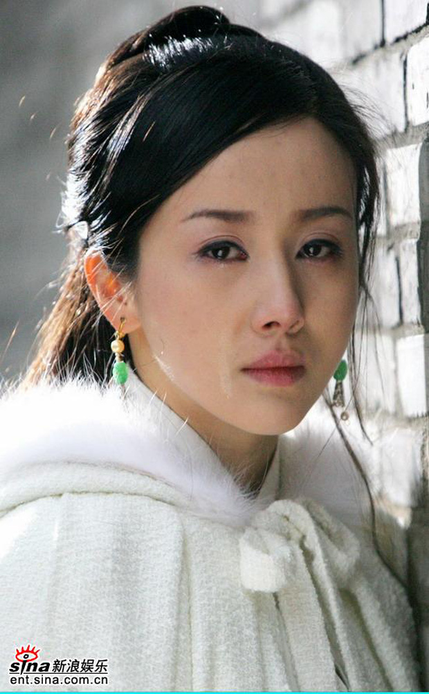 5 nàng công chúa bất hạnh nhất màn ảnh Hoa ngữ: Người mất một cánh tay, người chịu tủi nhục vì bị cưỡng bức - Ảnh 1.