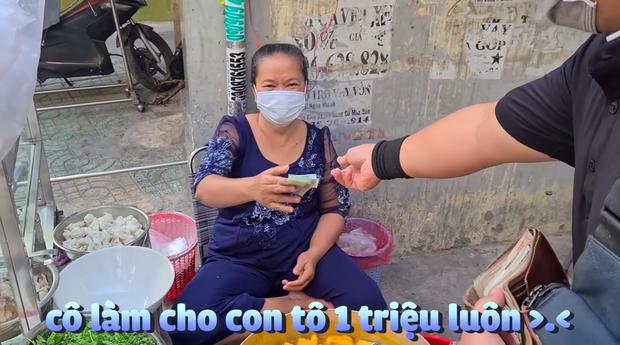 YouTuber xách tô đi mua bánh canh cua 1 triệu đắt nhất Sài Gòn, lúc nhìn thành phẩm dân mạng liền phán ngay một câu - Ảnh 2.