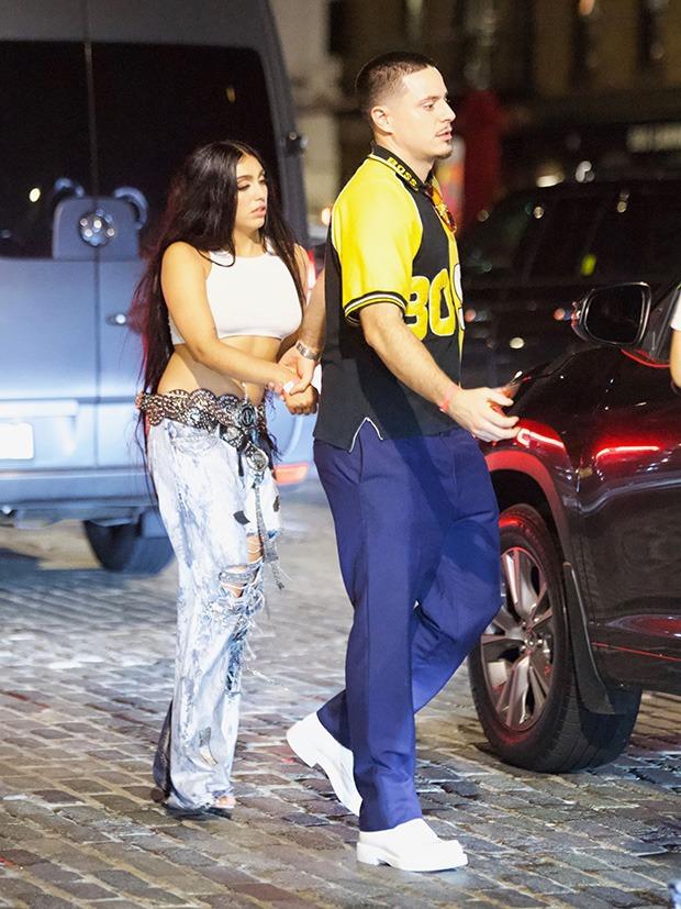 """Dàn sao """"xả đồ"""" dự tiệc hậu Met Gala: Kendall Jenner mặc thoáng hơn nhưng o ép vòng 1, Rosé vẫn một sắc đen, ơn giời mặt Kim Kardashian đây rồi - Ảnh 13."""