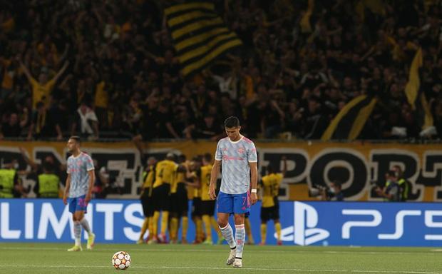 Thảm hoạ đồng đội phá hỏng công lao ghi bàn của Ronaldo - Ảnh 2.
