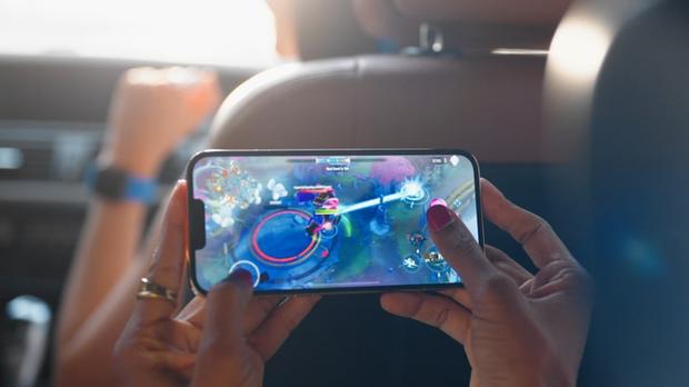 Sau Tốc Chiến đến lượt 2 siêu phẩm game mới xuất hiện trong sự kiện ra mắt iPhone 13 - Ảnh 2.