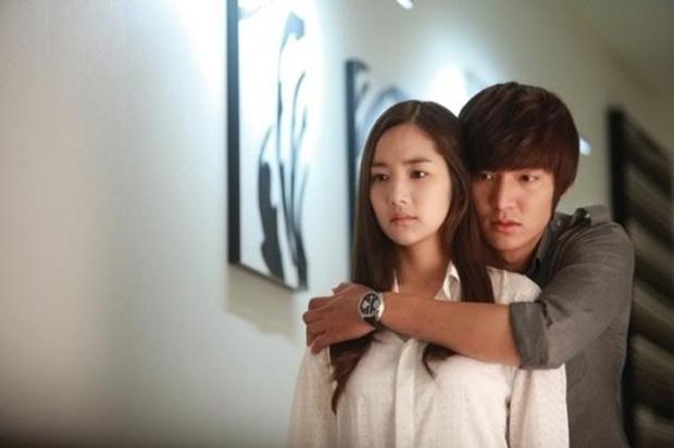 Trước khi làm Thư ký Kim của Park Seo Joon, Park Min Young từng là cô bạn gái đoản mệnh của G-Dragon, sau 13 năm visual vẫn đỉnh! - Ảnh 8.