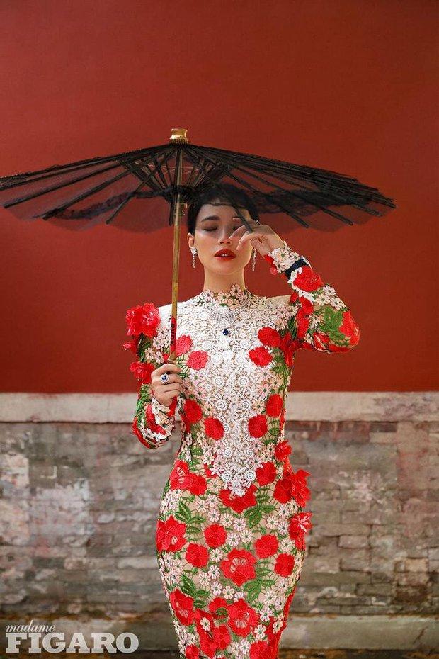 Diện tới 4/5 thiết kế Haute Couture cho lần lên bìa số Kim Cửu, mỹ nhân Cbiz này hẳn là muốn đàn em hít khói? - Ảnh 6.