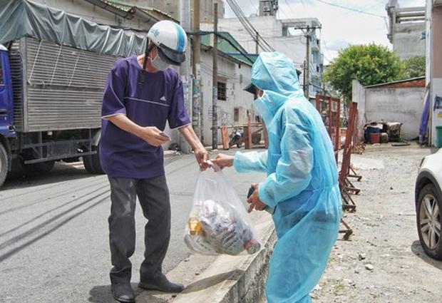 TP.HCM: Đề xuất hỗ trợ hơn 7,5 triệu người khó khăn sau ngày 15-9 - Ảnh 1.