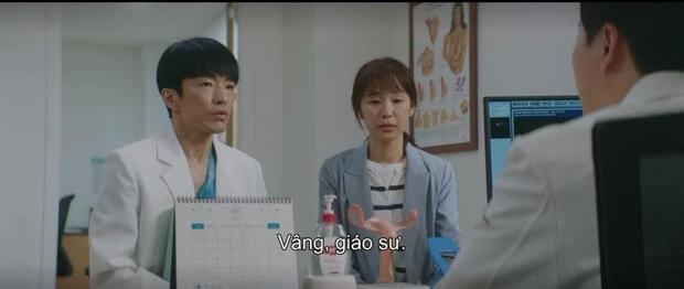 5 diễn biến được mong đợi ở tập cuối Hospital Playlist 2: Ik Jun - Song Hwa hẹn hò chưa hồi hộp bằng nàng Gấu ra mắt mẹ chồng! - Ảnh 11.