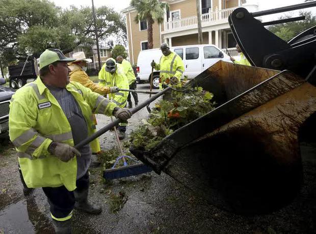 Mỹ: Bão Nicholas tấn công vùng duyên hải vịnh Mexico, mưa như trút nước gây ngập lụt, mất điện - Ảnh 14.