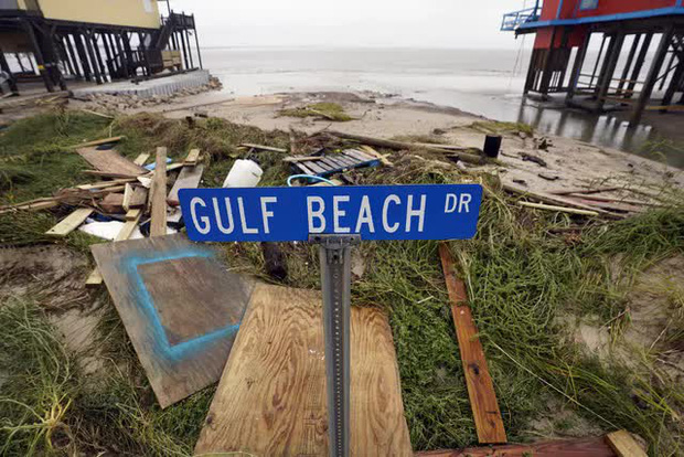 Mỹ: Bão Nicholas tấn công vùng duyên hải vịnh Mexico, mưa như trút nước gây ngập lụt, mất điện - Ảnh 16.