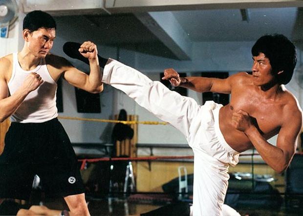 Cuộc sống của cao thủ võ thuật đánh gãy tay Lý Liên Kiệt, đá bay Ngô Kinh ra sao ở tuổi 63? - Ảnh 5.