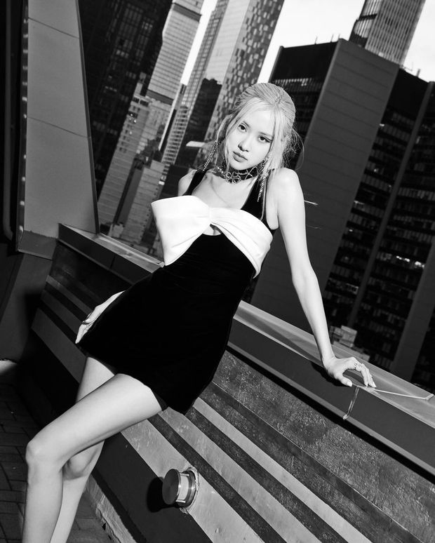 Rosé (BLACKPINK) xả ảnh hậu Met Gala: Kiều diễm, sang chảnh hết nấc, quyến rũ vượt xa ảnh do phóng viên bóc trần - Ảnh 3.