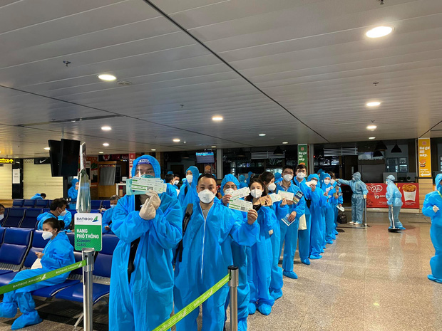 Gần 100 y bác sĩ Bệnh viện Hữu Nghị Việt Đức vào Nam thay quân cho đoàn công tác đầu tiên hoàn thành nhiệm vụ - Ảnh 2.