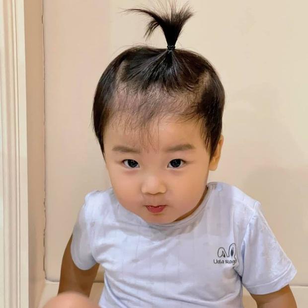 Netizen ngã ngửa vì tin nhắn của nhóc tỳ 2 tuổi nhà Hoà Minzy gửi bố đại gia, nội dung là gì? - Ảnh 5.
