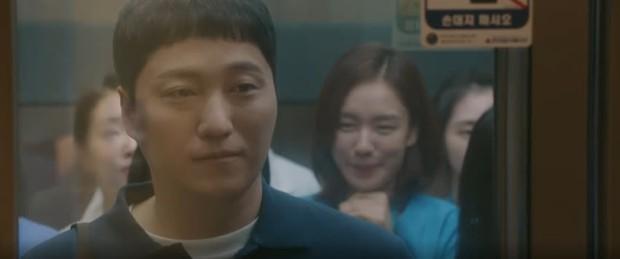 Hospital Playlist 2 TẬP CUỐI kết thúc viên mãn mà dang dở: Ik Jun - Song Hwa yêu nhau tới bến, đôi Bồ Câu vẫn mập mờ? - Ảnh 1.