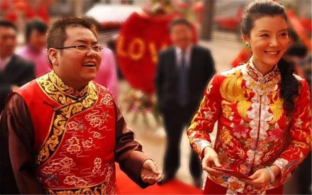 """""""Đệ nhất công tử Trung Quốc"""" tiêu sạch 46.000 tỷ đồng với lối ăn chơi trác táng đi vào truyền kỳ, cuộc sống hiện tại thảm thương đến khó tin - Ảnh 3."""