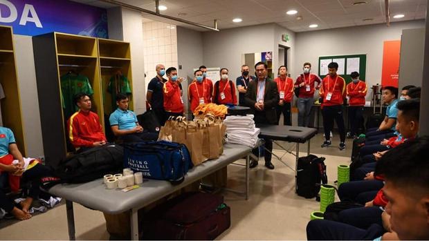 Tuyệt vời!! Đội tuyển futsal Việt Nam nghẹt thở vượt qua Panama tại World Cup, tiến gần tới tấm vé đi tiếp - Ảnh 25.
