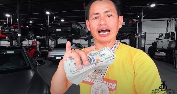 Triệu phú Johnny Đặng bất ngờ treo thưởng siêu xe 2 tỷ, 30.000 đô tiền mặt và răng kim cương: Chuyện gì đây? - Ảnh 4.