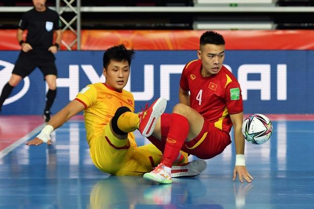 Tuyệt vời!! Đội tuyển futsal Việt Nam nghẹt thở vượt qua Panama tại World Cup, tiến gần tới tấm vé đi tiếp - Ảnh 29.