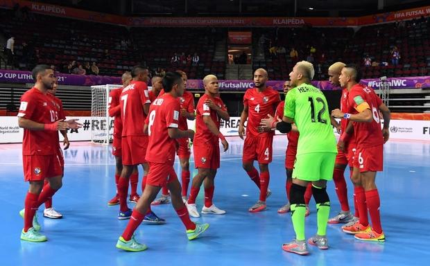 Tuyệt vời!! Đội tuyển futsal Việt Nam nghẹt thở vượt qua Panama tại World Cup, tiến gần tới tấm vé đi tiếp - Ảnh 24.