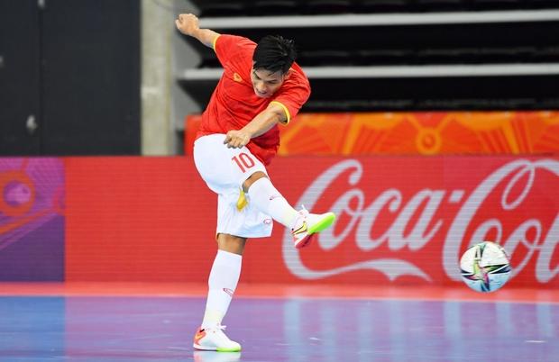 Tuyệt vời!! Đội tuyển futsal Việt Nam nghẹt thở vượt qua Panama tại World Cup, tiến gần tới tấm vé đi tiếp - Ảnh 17.