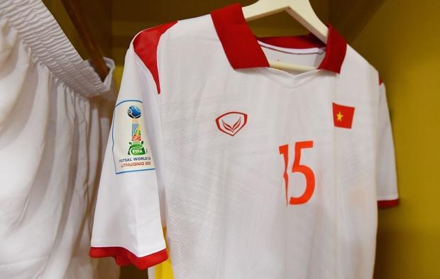 Tuyệt vời!! Đội tuyển futsal Việt Nam nghẹt thở vượt qua Panama tại World Cup, tiến gần tới tấm vé đi tiếp - Ảnh 20.