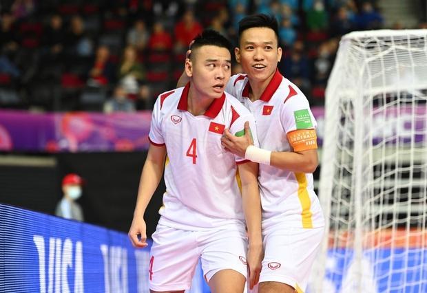 Tuyệt vời!! Đội tuyển futsal Việt Nam nghẹt thở vượt qua Panama tại World Cup, tiến gần tới tấm vé đi tiếp - Ảnh 13.