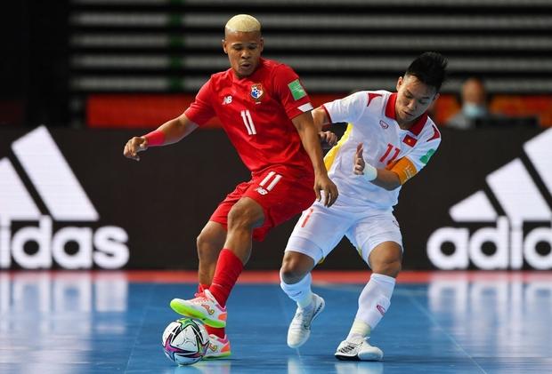 Tuyệt vời!! Đội tuyển futsal Việt Nam nghẹt thở vượt qua Panama tại World Cup, tiến gần tới tấm vé đi tiếp - Ảnh 5.