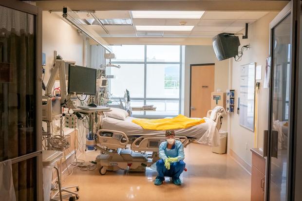 Bệnh viện từ chối bệnh nhân, người Mỹ lại chết ngạt giữa cơn bão biến chủng Covid (Delta) quá hung hãn - Ảnh 5.