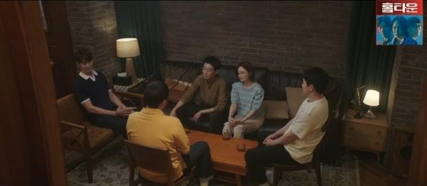 Hospital Playlist 2 TẬP CUỐI kết thúc viên mãn mà dang dở: Ik Jun - Song Hwa yêu nhau tới bến, đôi Bồ Câu vẫn mập mờ? - Ảnh 8.