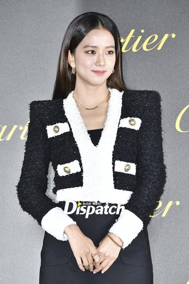 Vì sao Shin Min Ah được diện ê hề đồ Hermès trong Hometown Cha-cha-cha? - Ảnh 6.
