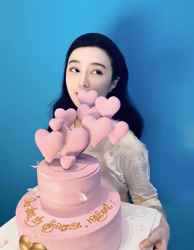 Quản lý quyền lực Cbiz hé lộ tiệc sinh nhật tuổi 40 của Phạm Băng Băng, nhan sắc nữ thần ra sao sau bao thăng trầm? - Ảnh 2.