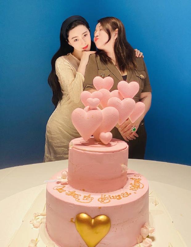 Quản lý quyền lực Cbiz hé lộ tiệc sinh nhật tuổi 40 của Phạm Băng Băng, nhan sắc nữ thần ra sao sau bao thăng trầm? - Ảnh 6.